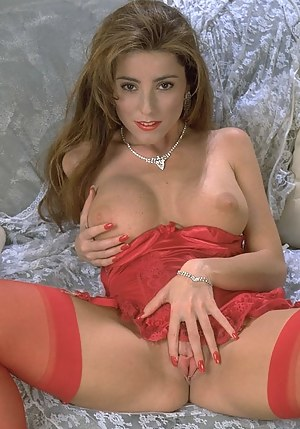 MILF Porn Pictures
